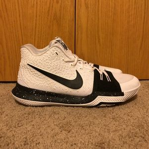 Men's Kyrie 3 Cookies and Cream